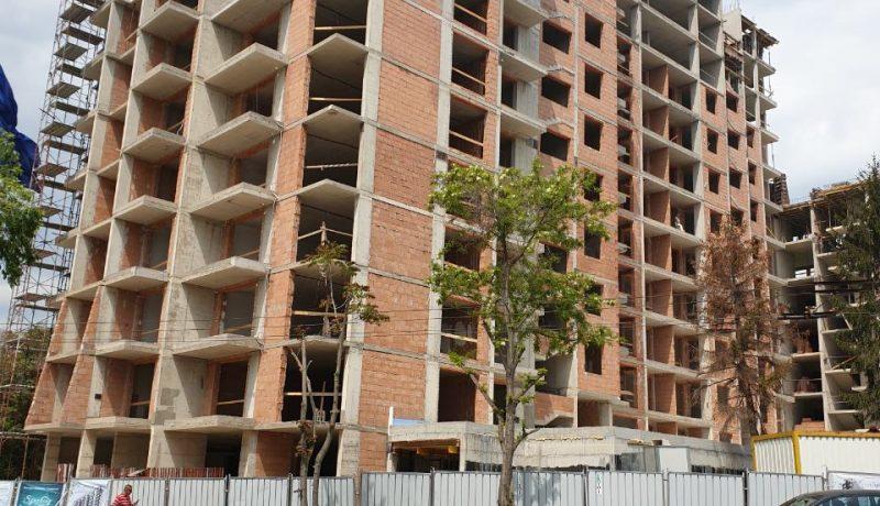 Жилищен комплекс Симфония - изграждане апартаментите на 13-тия етаж